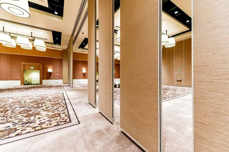 Why To Choose Operable Walls For Your Homes And Offices?