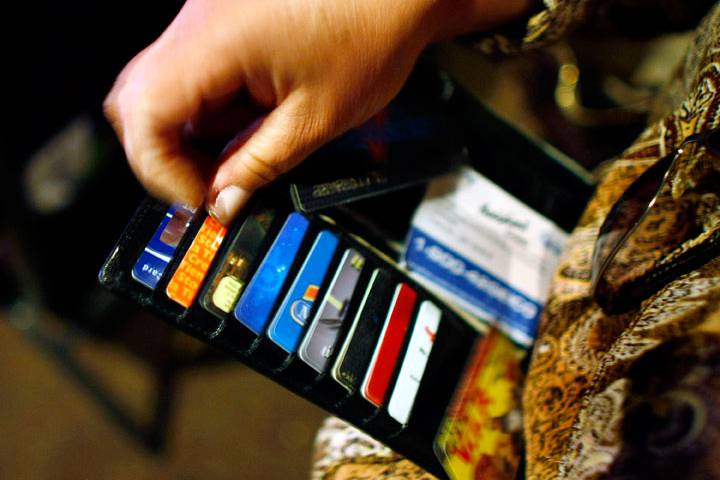 Save Yourself The Trouble In Dealing With A Typical Student Credit Card Debt By Utilizing Effective Policies