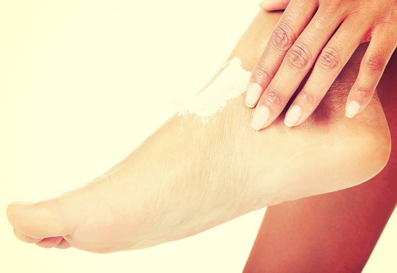 7 Quick Ways To Deal With Dry Skin On Feet