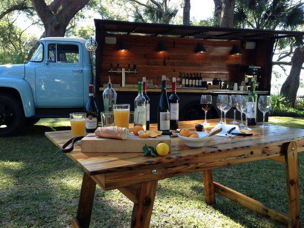 Advantages Of Hiring A Mobile Bar Service In Essex