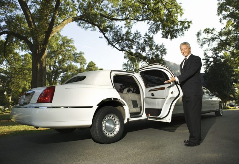 Get the Benefits of Hiring a Limo Rental Atlanta